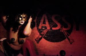 Misty Lotus fire eater indieBerlin Bassy Club Bananas Dada burlesque